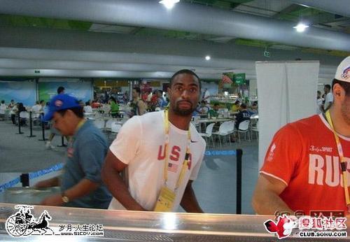 偷拍北京奥运村食堂:明星云集 众打牌齐就餐(组图) - lx3com - lx3com太上老君的博客